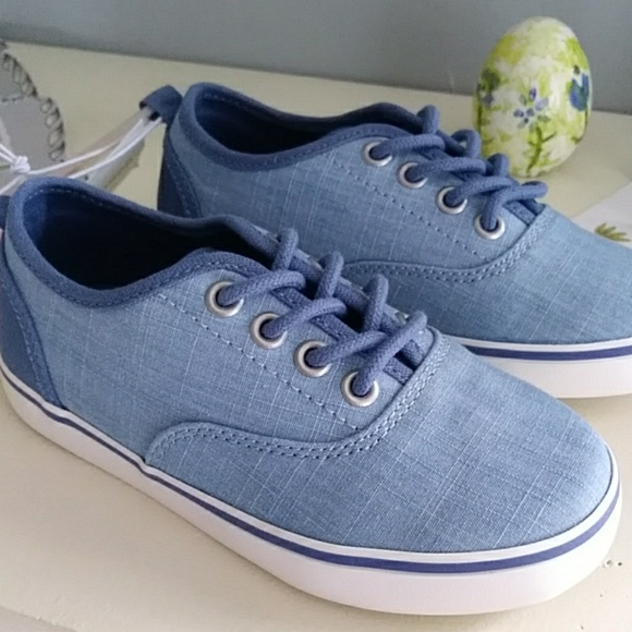 NWT Gymboree Boys Red Chambray Boat Shoes 1 2